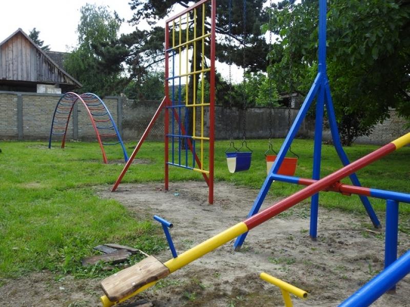 МО СНС Пригревица уредио двориште вртића у свом селу