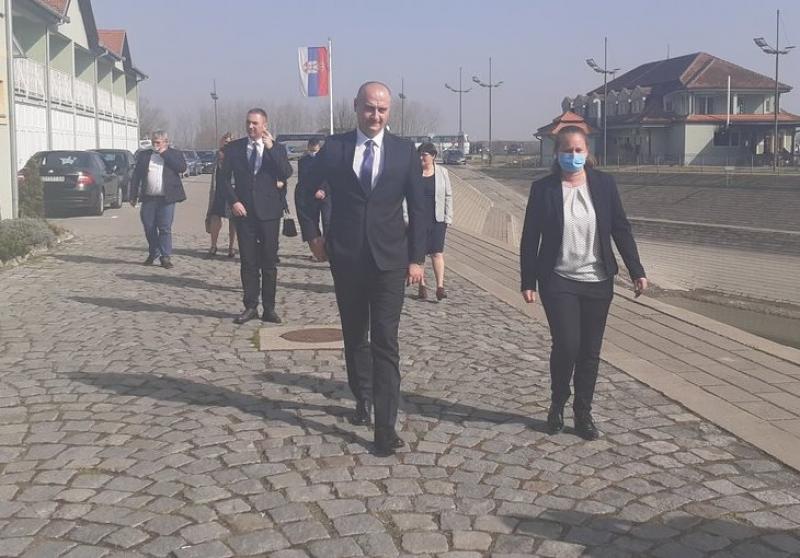 POKRAJINSKI SEKRETAR ZA PRIVREDU I TURIZAM DR NENAD IVANIŠEVIĆ POSETIO APATIN